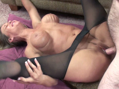 Mature bitch leeanna heart in torn pantyhose and getting her nice pussy fuck heavy Leeanna Heart.